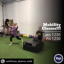 Mobility is important for everyone, whether your a power lifter, strongman, or fitness fanatic. Don't miss out on this amazing mobility class with @wwfitness_deanna_wells . Link in our bio to register! 🙌🏻 . Posted @withrepost • @wwfitness_deanna